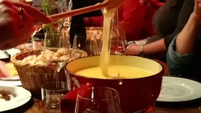 Cheese fondue in the GenussWerkstatt