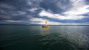 Thunder during a merchant vessel trip on Lake Constance
