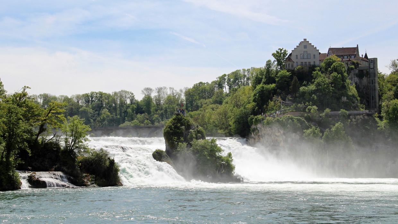 Watervallen Van Schaffhausen.Rheinfall Bei Schaffhausen Am Bodensee Bodenmeer Toerisme